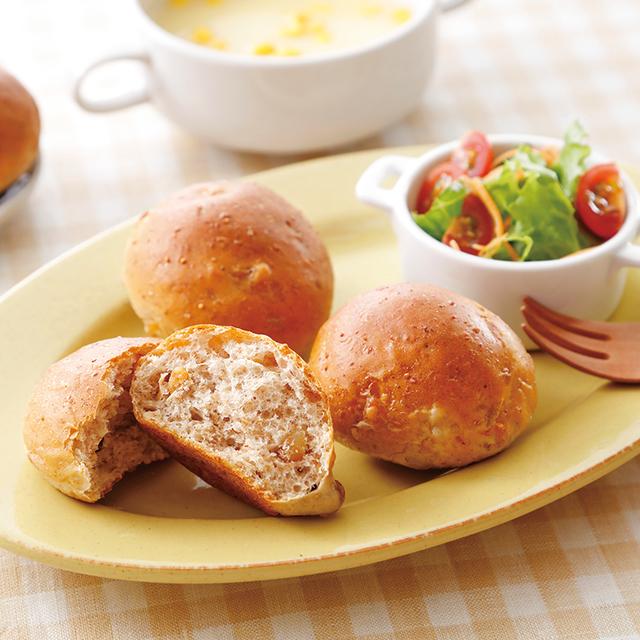 産直全粒粉入りいちじくとくるみのパン